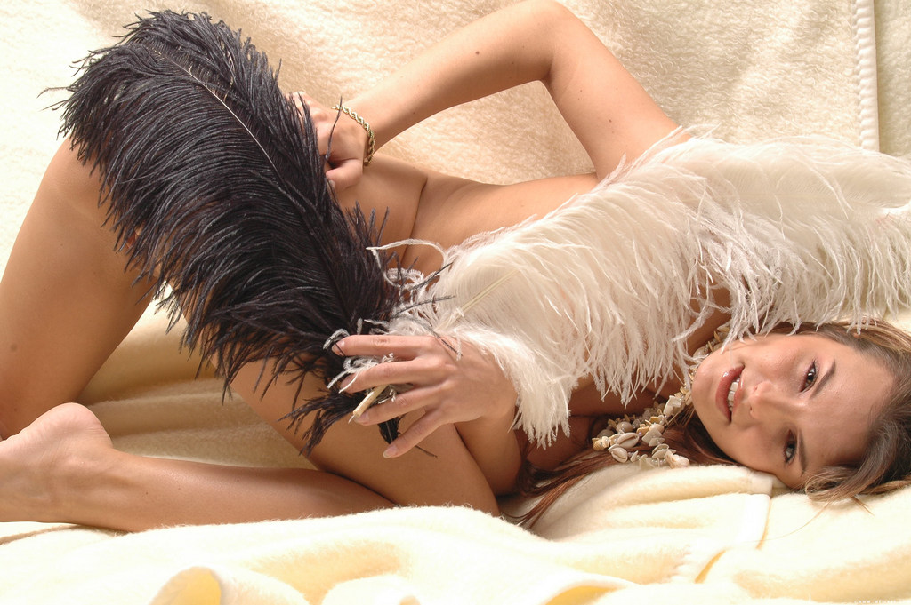 Naked feather #8